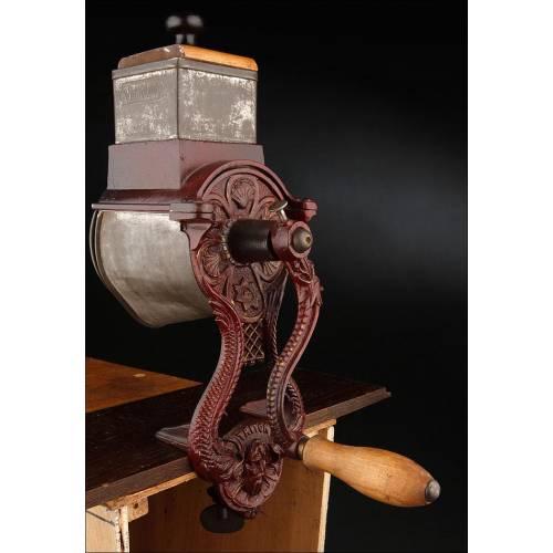Rallador de Cocina Grande, Bien Conservado y Funcionando. Fabricado en Alemania a Principios del Siglo XX