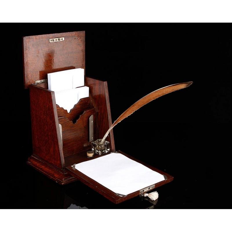 Elegantísima Papelera para Cartas Fabricada en Inglaterra en el Año 1900. Con Llave Original