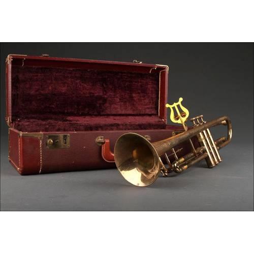 Trompeta Norteamericana Fabricada en los Años 30 del Siglo XX. Bien Conservada y en su Estuche Original