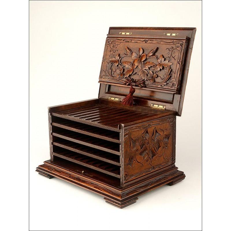 Magnífica Caja de Cigarros de Madera Noble Tallada. Francia, Finales Siglo XIX