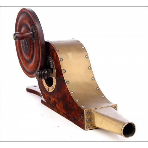 Fantástico y Raro Fuelle Mecánico para Chimenea de Estilo Victoriano. Inglaterra, S. XIX