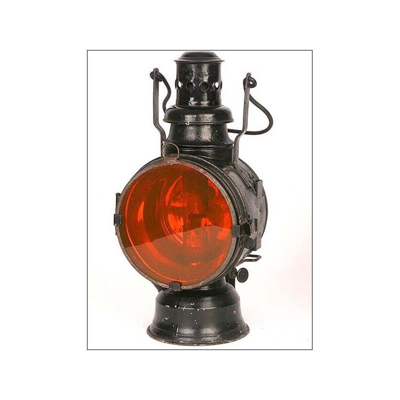 Antigua lámpara de petróleo de señales para estación de ferraocarril. 1900.