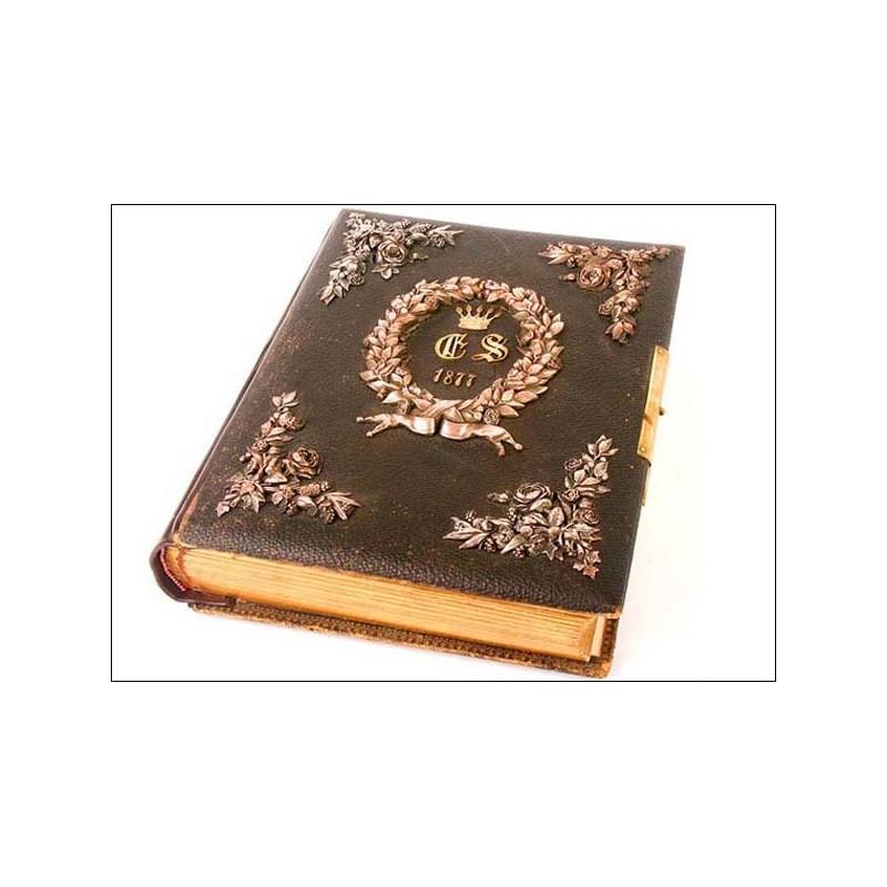 Extraordinario álbum fotográfico con apliques de bronce fechado 1877.