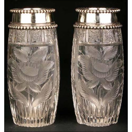 Pareja de jarrones de cristal con borde de plata maciza