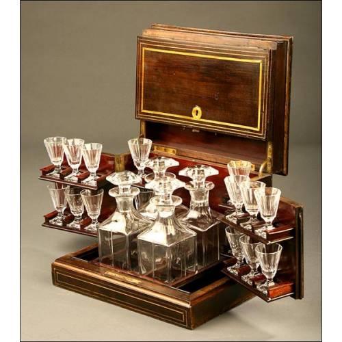 Licorera Francesa en Cristal Original con Caja de madera en Marquetería.