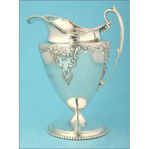 Jarrita para leche en plata. 1895