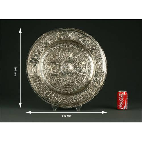 Enorme Fuente Española de Plata Maciza, S. XIX. Más de un Kilo de Peso. Estilo Neoclásico