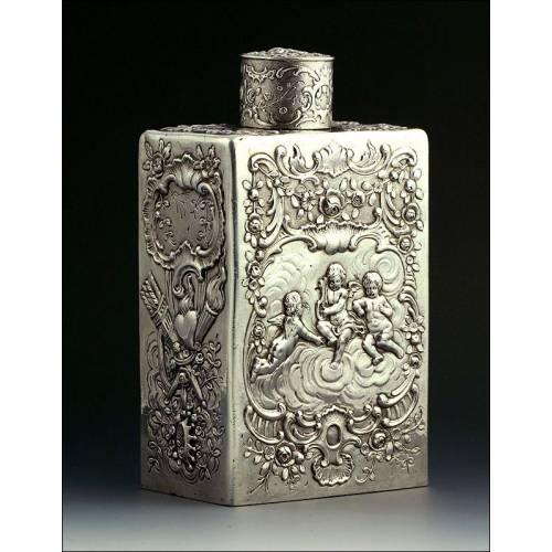 Precioso Botellita de Plata Maciza para Guardar Té, del S. XVIII. San Valentin. 315 Gramos
