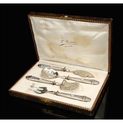 Maravilloso Juego de Cubiertos de Servir de Plata y Metal. Francia, Siglo XIX