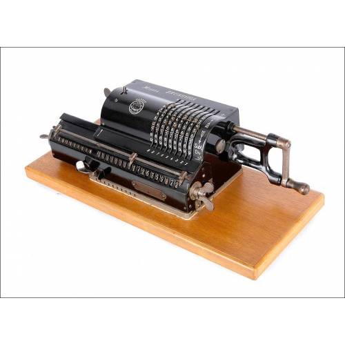 Preciosa Calculadora Antigua Brunsviga A en Funcionamiento. Alemania, Años 20