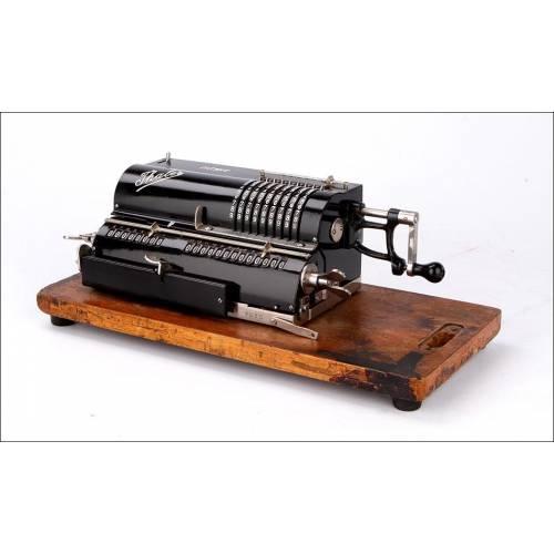Calculadora Antigua Thales C1 en Estado de Funcionamiento. Alemania, Años 20