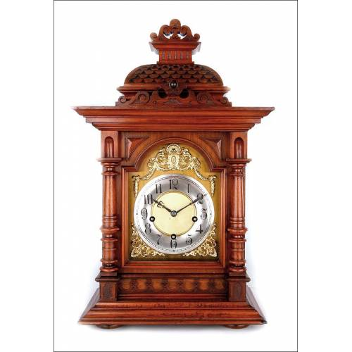 Maravilloso Reloj de Sobremesa Antiguo en Caoba con Sonería de Cuartos. Alemania, Circa 1900