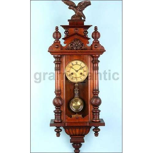 Fantástico reloj de pared con sonería Junghans. 1890