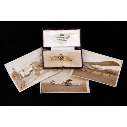Soberbia Insignia Antigua del Royal Flying Corps en Oro Macizo de 18K. Inglaterra, 1914-18