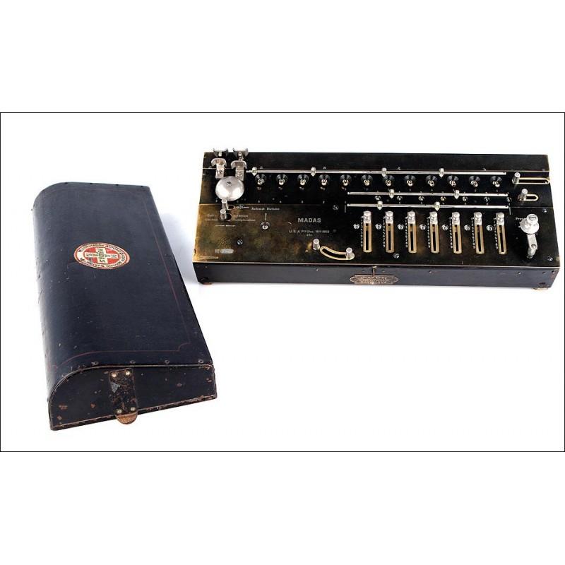 Antigua y Rara Calculadora Suiza MADAS Fabricada en el año 1913-1915. División Automática. Funcionando.