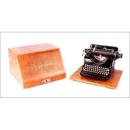Máquina de Escribir Antigua Olympia en Buenas Condiciones de Uso. Alemania, Años 30