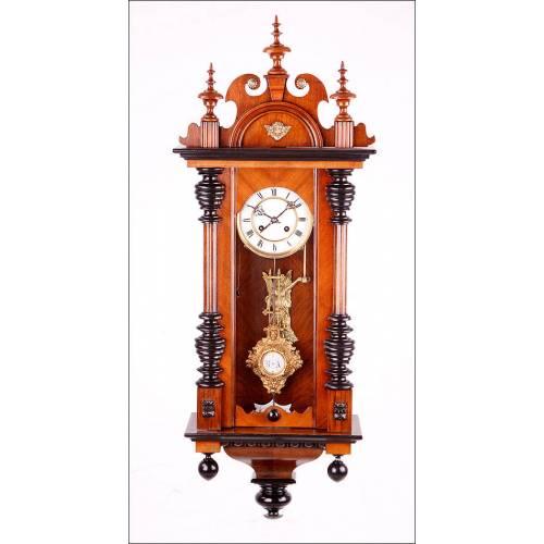 Precioso Reloj de Péndulo de Pared Deutsche Reichs, Alemania ca. 1895. con espectacular interior.