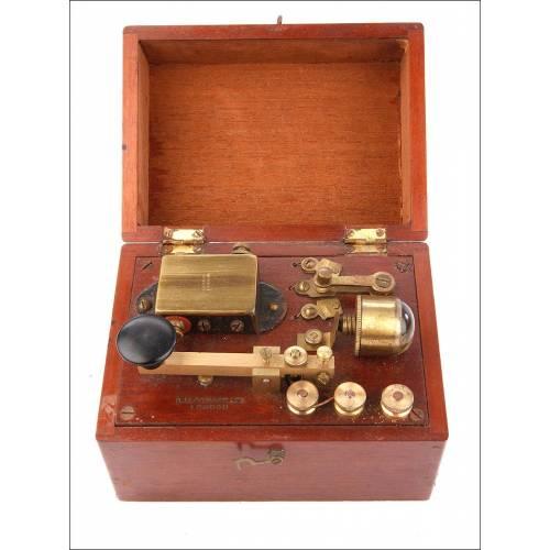 Antiguo Telégrafo Inalámbrico Marino en Caja de Caoba. Londres, Circa 1900