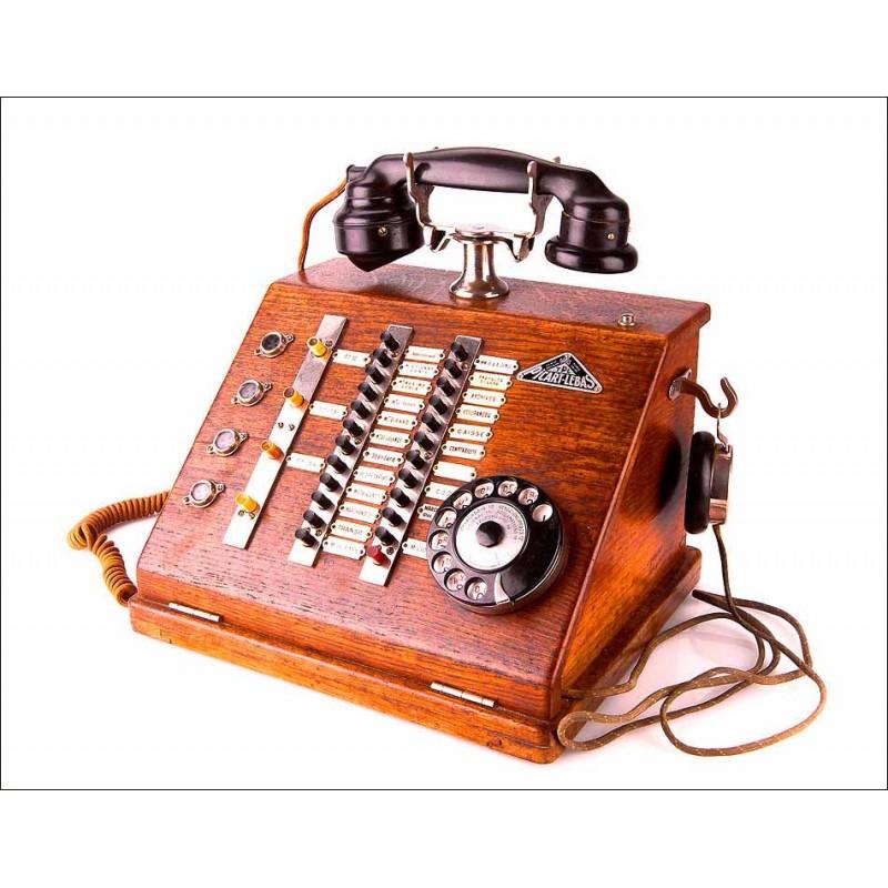 Preciosa centralita intercomunicadora antigua en madera de roble y metal cromado. Magnífico estado.