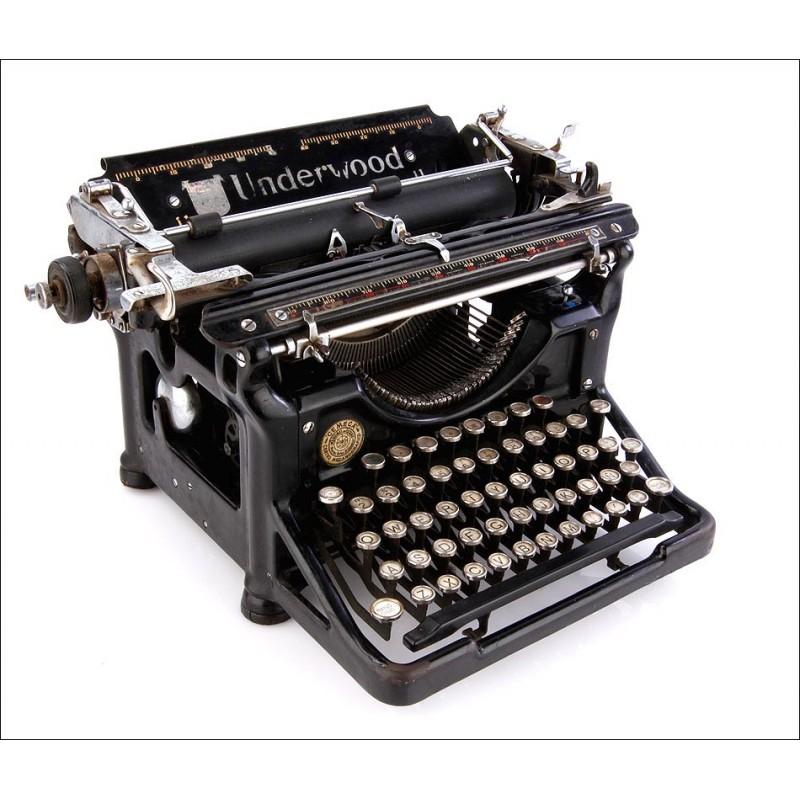 Antigua Máquina de Escribir Underwood 11 Española en Excelente Estado. USA, 1925