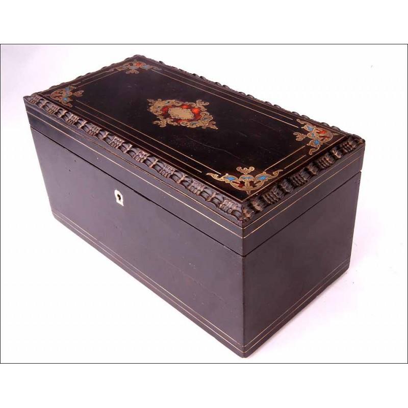 Preciosa Caja de Té Antigua con Detalle de Marquetería Boulle. Francia, Circa 1870