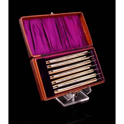 Conjunto de Siete Navajas Barberas Antiguas en Estuche Original. Cachas de marfil. Alemania, Circa 1900
