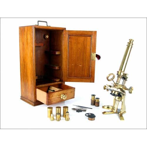 Importante Microscopio Antiguo C. Baker de Gran Tamaño. Londres, Circa 1870