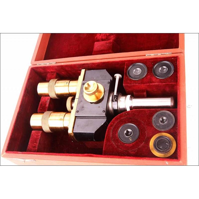Antiguo Conversor Binocular Leitz Wetzlar para Microscopios Monoculares. Alemania, 1910-20