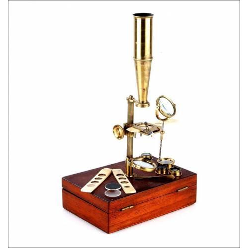 Maravilloso Microscopio Antiguo Tipo Gould con Estuche Original. Inglaterra, Circa 1850