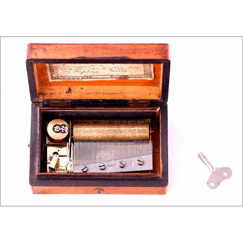 Bella Caja de Música Antigua con 4 melodías. Funcionando. Alemania, Circa 1880