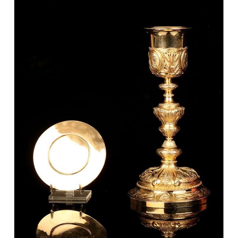 Espectacular Cáliz Antiguo de Plata Maciza Dorada Decorado a Mano. Francia, Circa 1820
