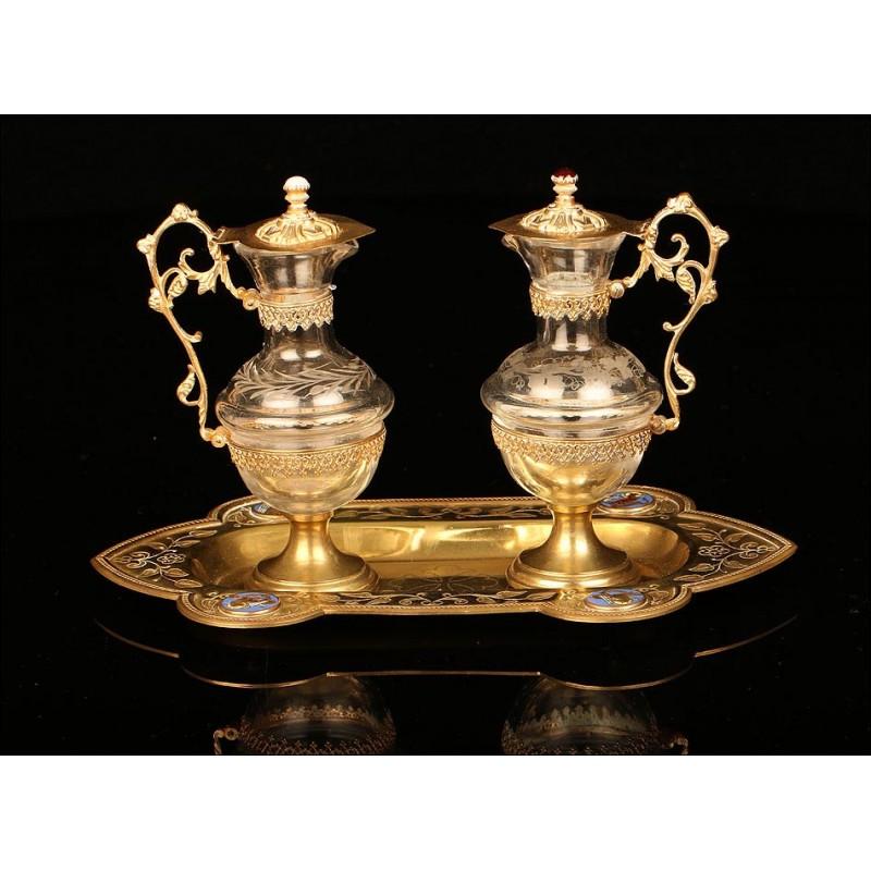 Antiguas Vinajeras de Latón y Cristal con Esmaltes. Francia, Siglo XIX