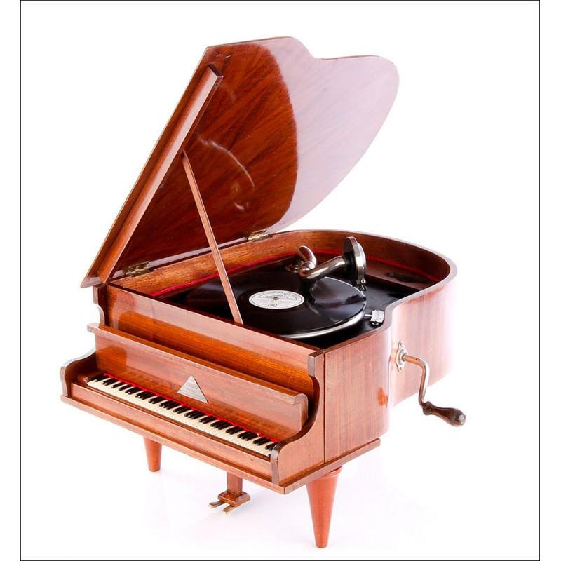 Gramófono Antiguo con Forma de Piano The Standard Melody. Francia, 1930