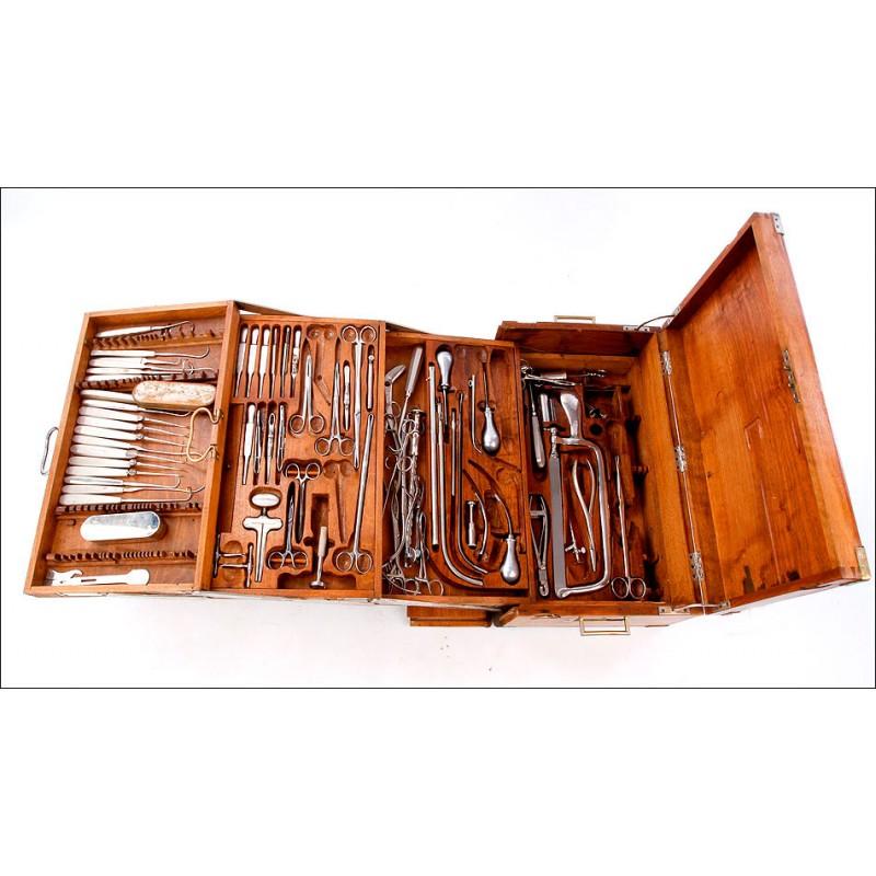 Estuche Antiguo de Cirujano Militar. Circa 1900