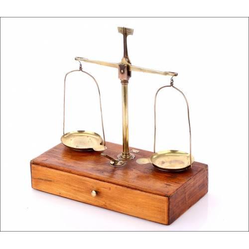 Antigua Balanza de Precisión, Circa 1900