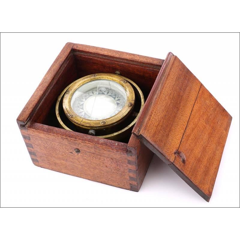 Brújula Marina Antigua.Caja de Caoba Maciza. Años 30-40 del Siglo XX