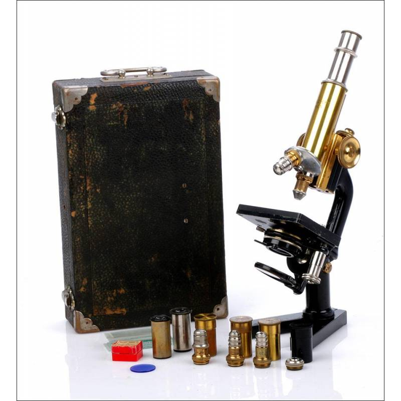 Microscopio Antiguo Plegable C. Reichter. Completo. Viena, Circa 1920.