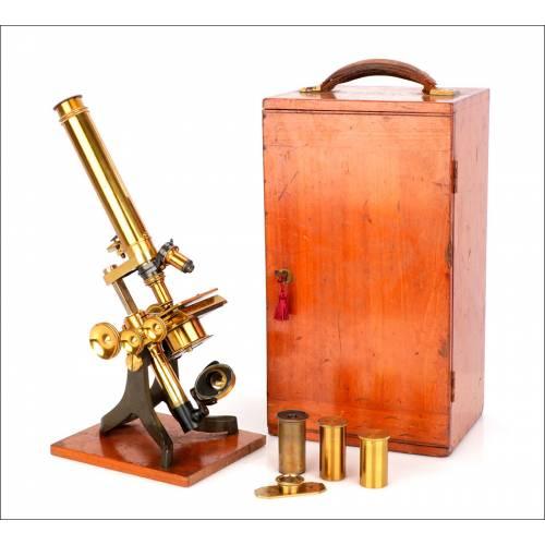 Antiguo Microscopio Compuesto. Inglaterra, Circa 1880.