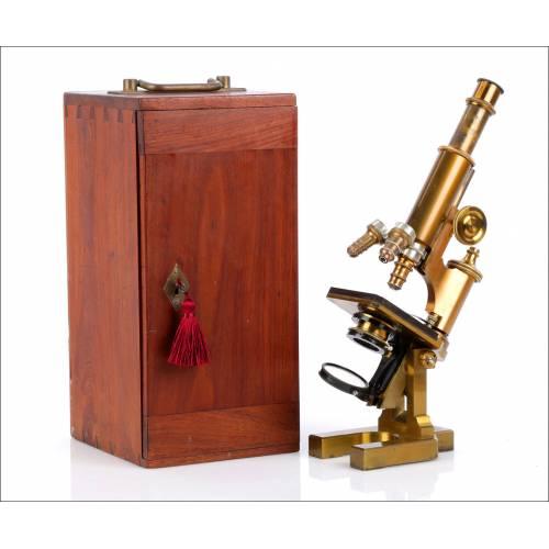 Antiguo y Raro Microscopio Italiano Koristka. Italia, circa 1900