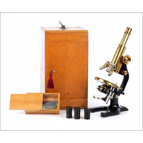 Antiguo Microscopio Reichert. Ramón y Cajal. Alemania, 1927