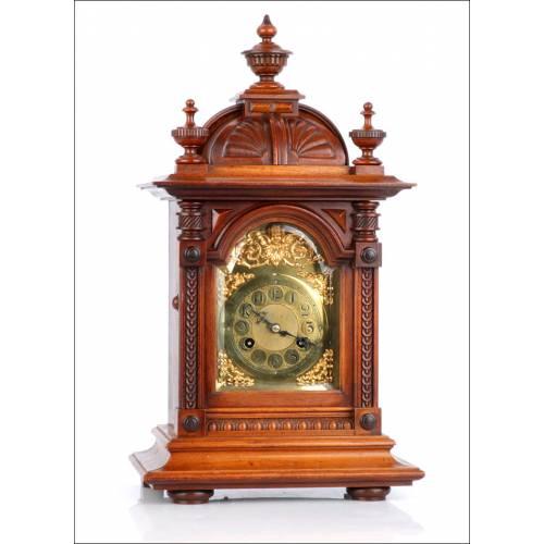 Reloj Junghans Antiguo con Sonería de Horas y Medias. Alemania, 1900