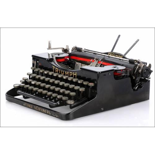 Antigua Máquina de Escribir Triumph. Alemania, Circa 1930