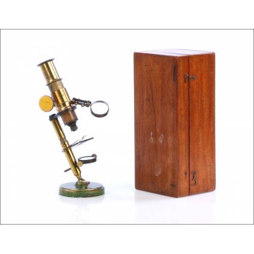 Antiguo Microscopio de Estudiante. Con Estuche. Circa 1880