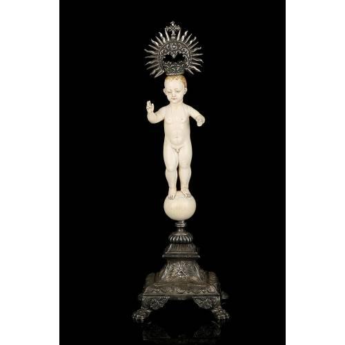 Antiguo Niño Jesús en Marfil. Hispano Filipino.  S. XVIII. Con CITES