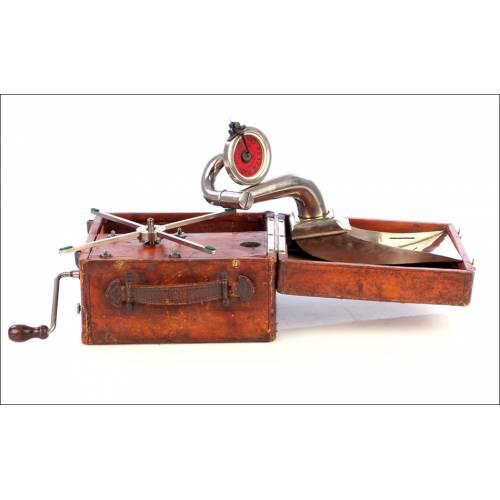 Ultra raro Modelo de gramófono de viaje Peter Pan. Suiza, 1923