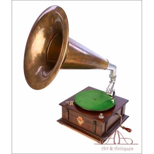 Antiguo Gramófono con Trompa de Sombrero de Bruja  Monophone. Inglaterra, Circa 1930