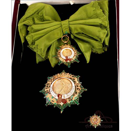 Gran Cruz de la Orden del Mérito Agrícola. Época de Franco. En su Estuche. España