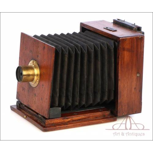 Very Antique Photographic Camera Obscura. Circa 1880