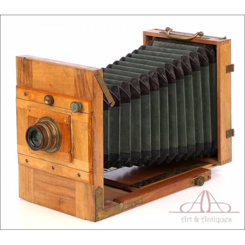 Antique Field Photo Camera. Circa 1890