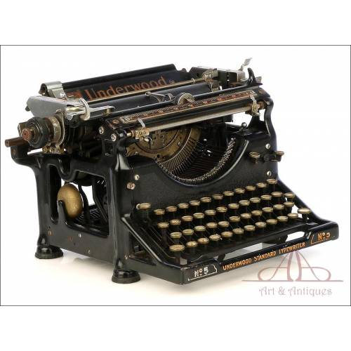 Antique Underwood 5 Typewriter. Spanish Keyboard. USA, Circa 1920